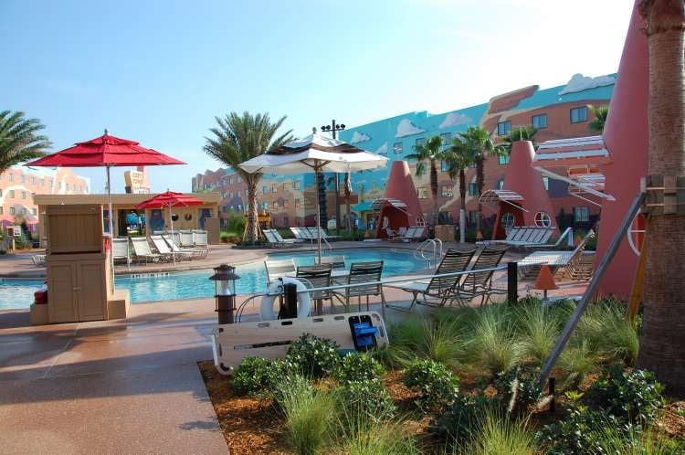 Art-of-Animation-554-swimming-pool-in-the-Cars-section-of-Disneys-Animation-Resort.JPG
