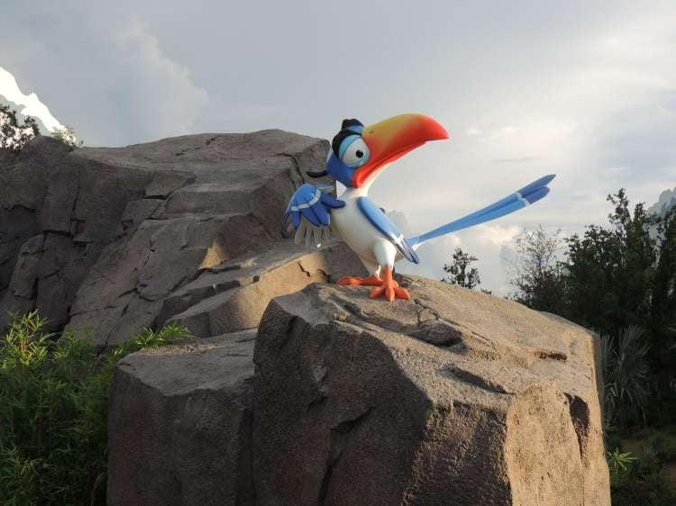 Art-of-Animation-685-Lion-King-ZaZu-statue.JPG