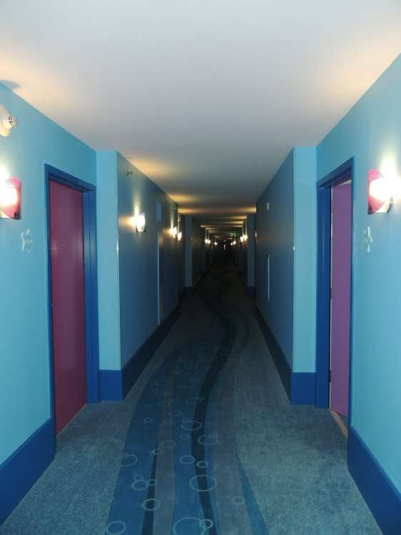 Disney's-Art-of-Animation-Finding-Nemo-Hallway-to-the-rooms.JPG