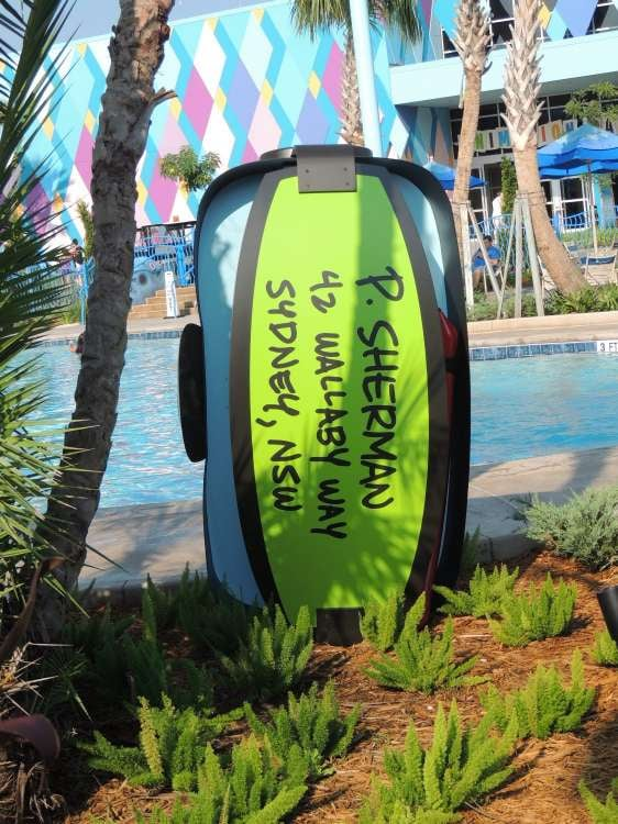 Disney's-Art-of-Animation-Jellyfish-Swimming-Pool-Decoration.JPG