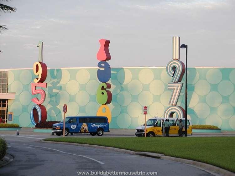 Disney's Pop Century hotel entrance adn lobby