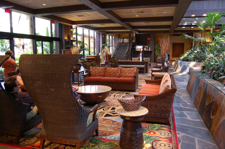 Disneys-Polynesian-Village-lobby-2.jpg