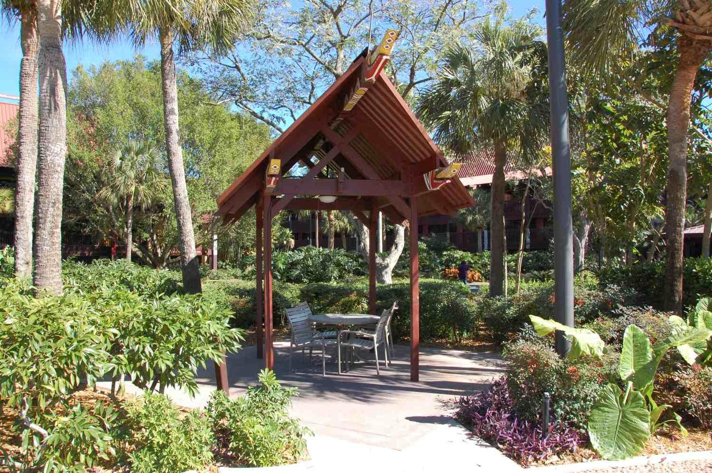 Disneys-Polynesian-Village-Quiet-Pool (2).jpg