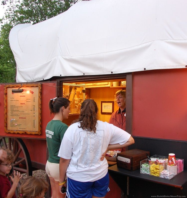 Snack bar at the Fort Wilderness Campfire program