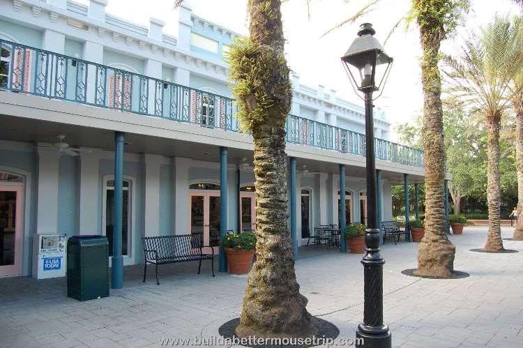 Disney's-Port-Orleans-French-Quarter-Courtyard (2).jpg