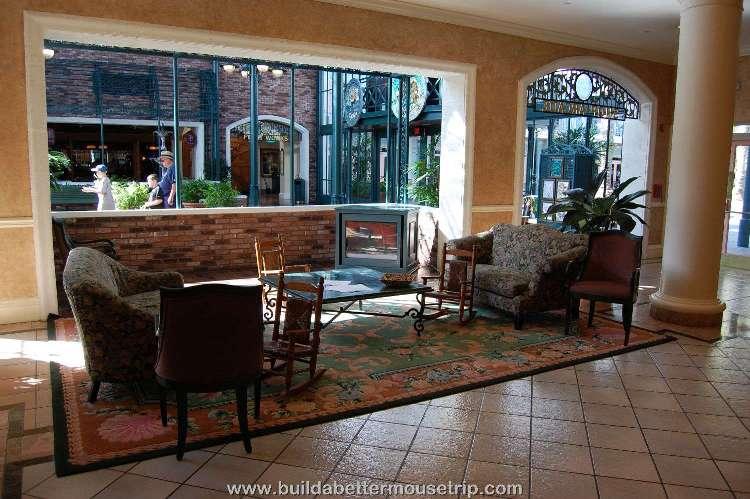 Disney's-Port-Orleans-French-Quarter-Lobby-Seating.jpg