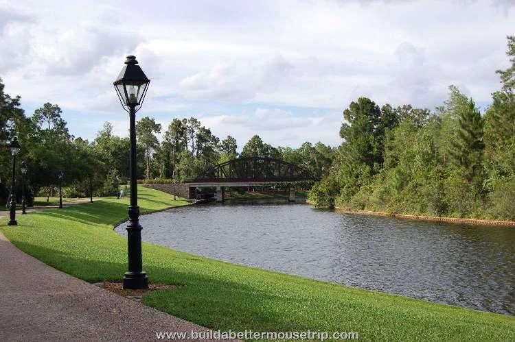 Disney's-Port-Orleans-French-Quarter-Sassagoula-River.jpg