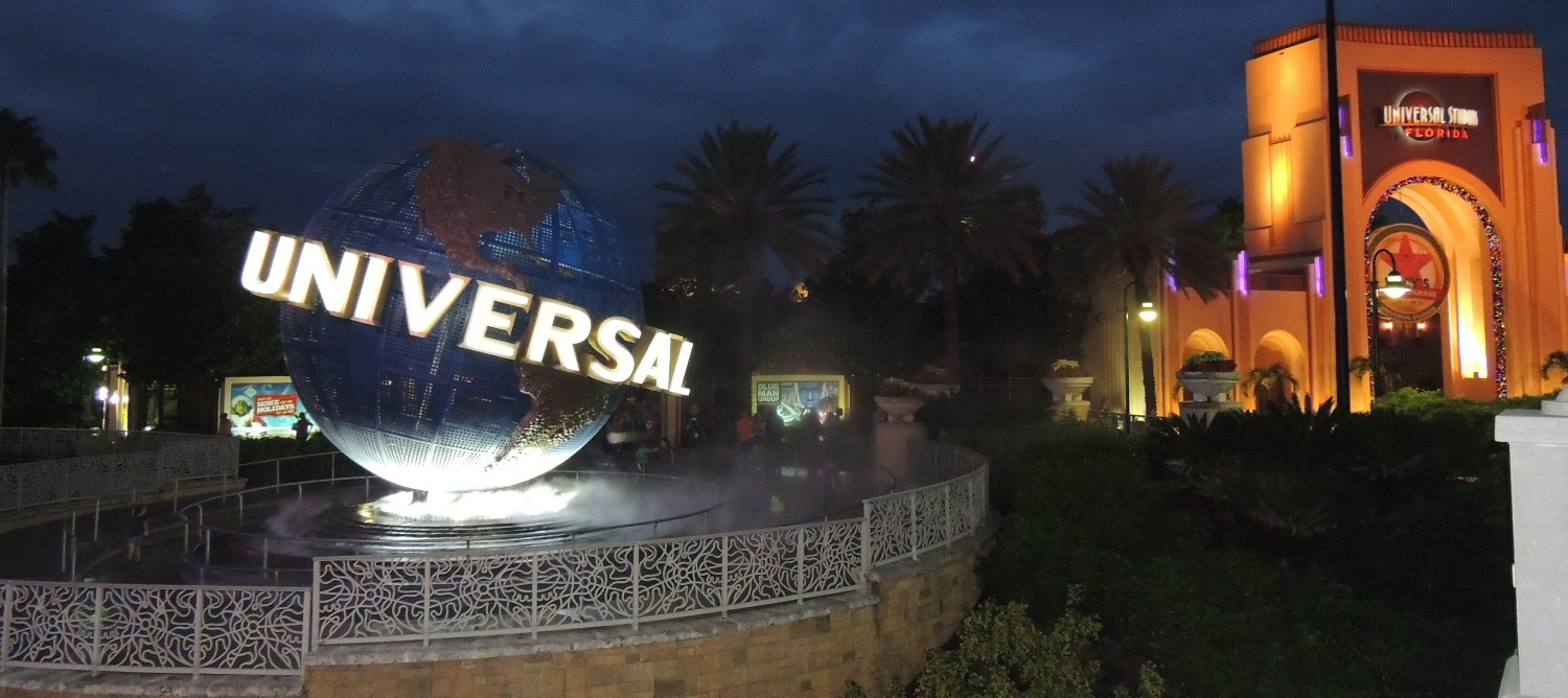 Universal Orlando Tips & Information - What you need to know to have a great time at Universal Studios Florida and Universal's Islands of Adventure theme parks.
