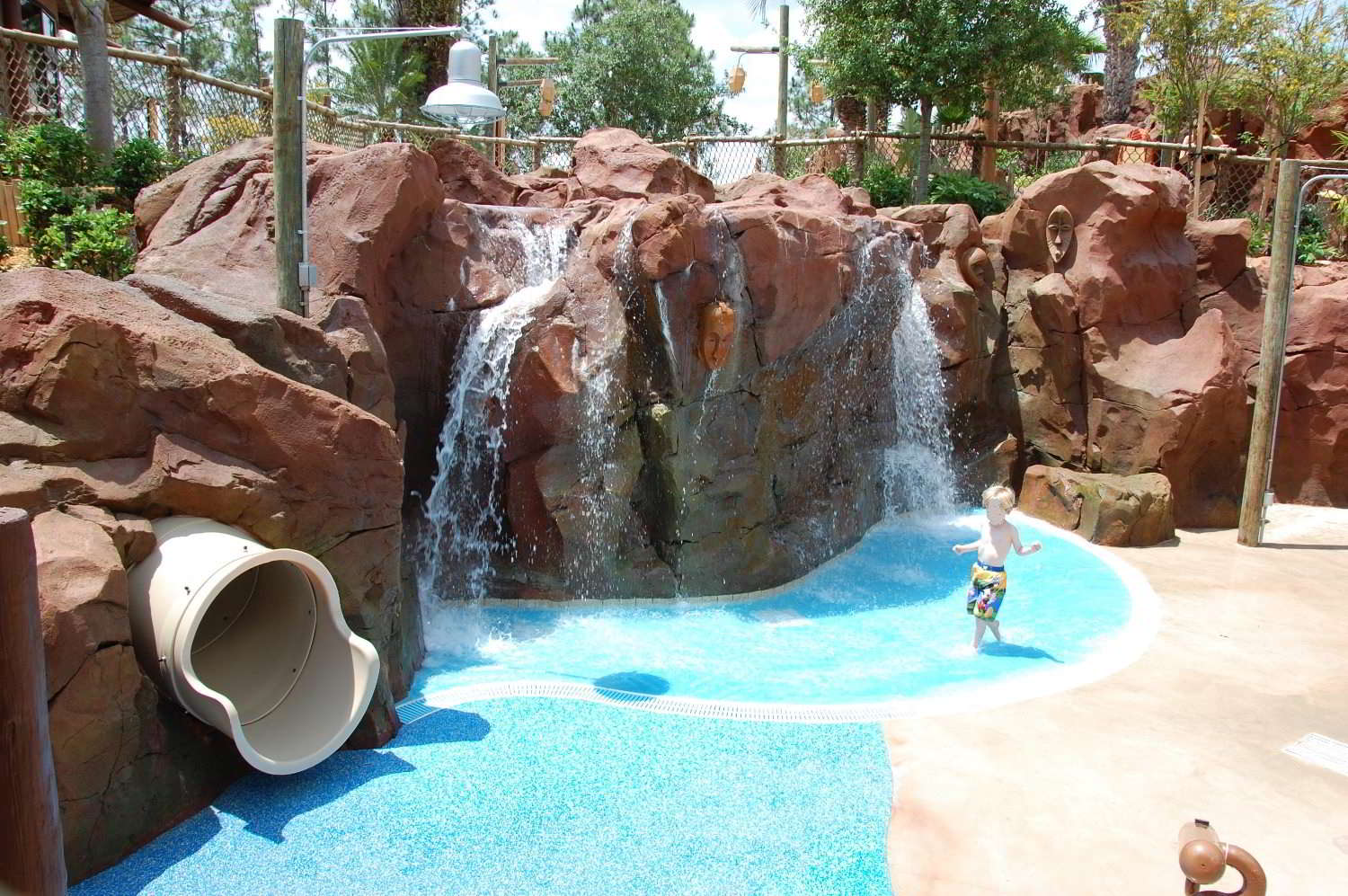 Disney's Animal Kingdom Lodge - Kidani Village has a smaller pool than Jambo house but has an extensive wet play area for kids with three different zones geared towards different ages.