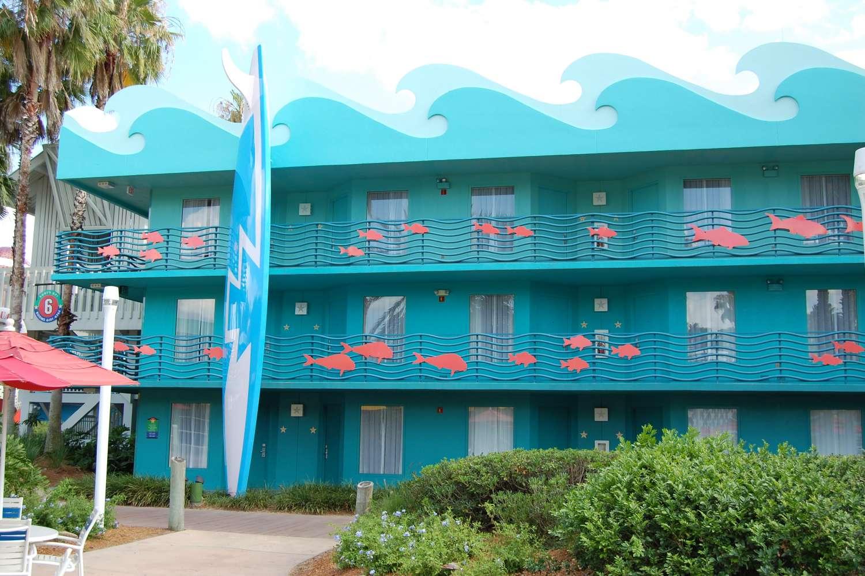 327-All-Star-Sports-Surfs-Up-Buildings-1.JPG