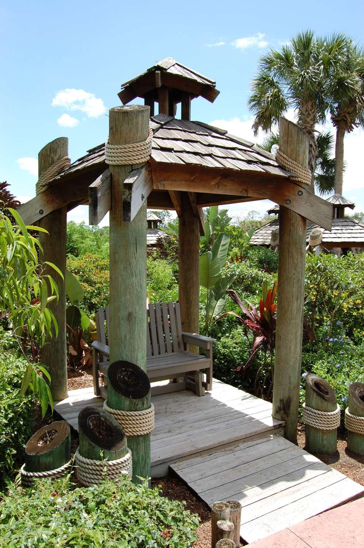 Disney's-Caribbean-Beach-Resort-Caribbean-Cay (3).jpg