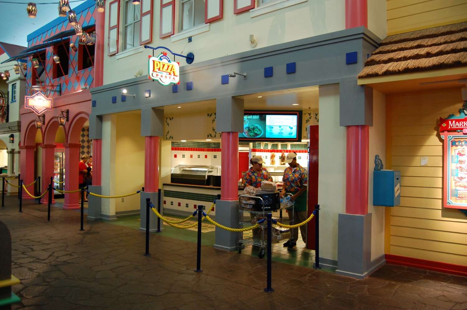 Disney's-Caribbean-Beach-Resort-Pizza.jpg