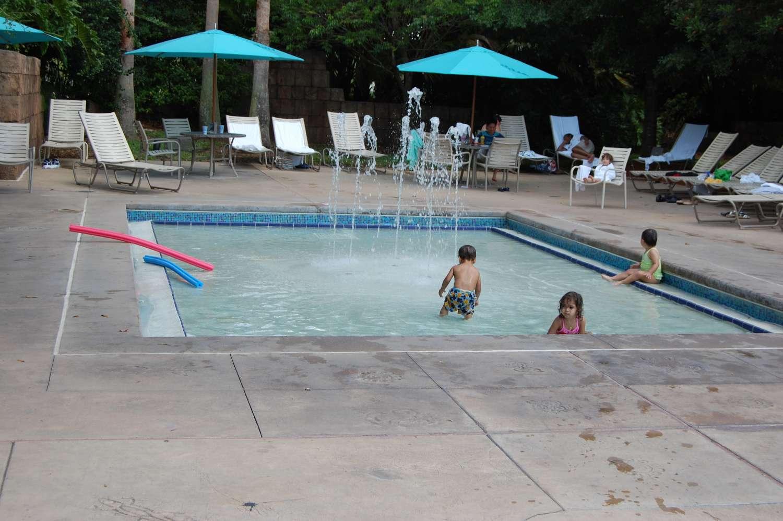 coronado-springs-033-The-Dig-Site-Kiddie-Pool.JPG
