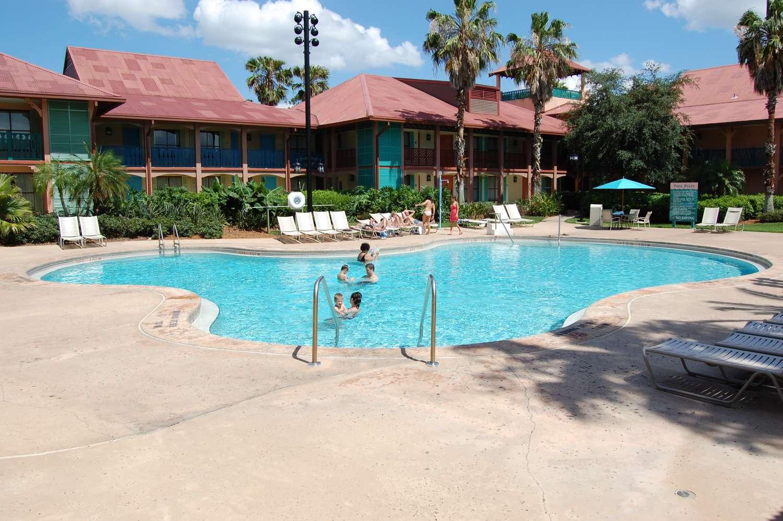 coronado-springs-040-Cabanas-Quiet-Pool.JPG