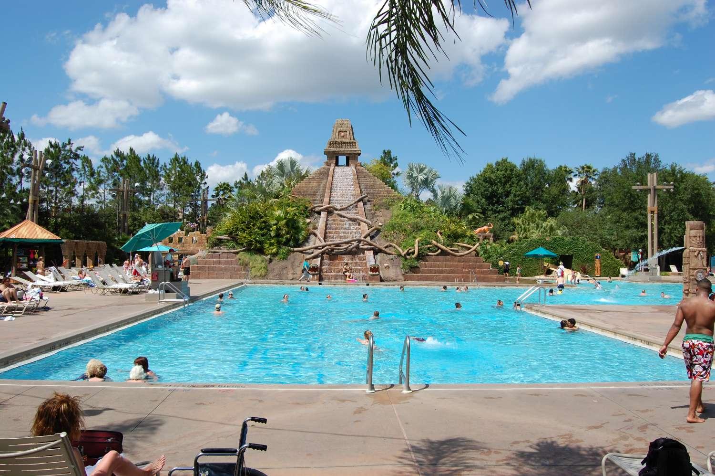 coronado-springs-023-The-Dig-Site-Feature-Pool.JPG