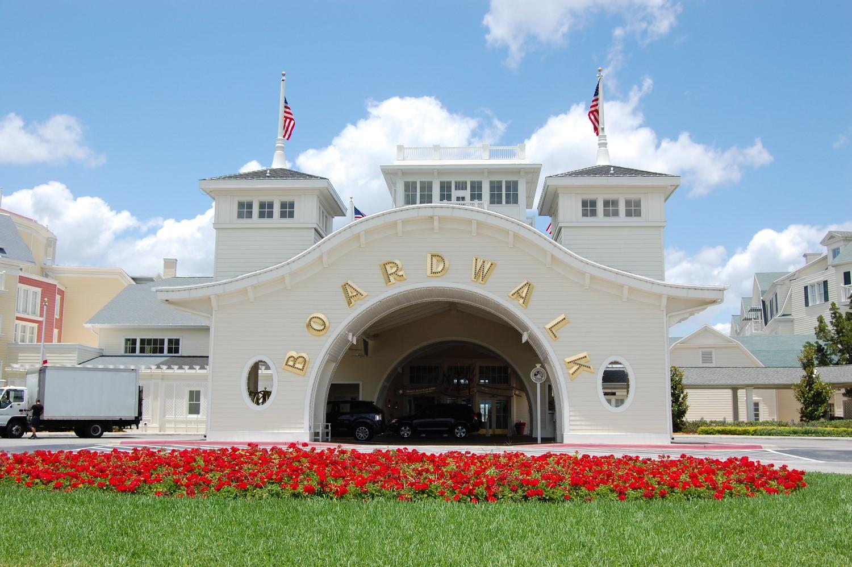 Disneys-Boardwalk-Inn-Entrance.JPG
