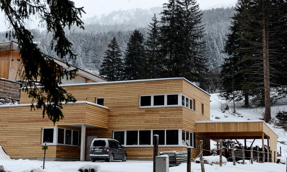 ..wir haben es endlich geschafft, das neue atelier mehr oder weniger zu beziehen.  unsere neue adresse lautet:  moosanger 937/ 6473 wenns