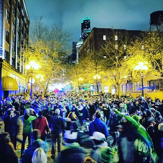 Let's Go Sounders !!! #marchtothematch #soundersfc #mls #westernconferencefinals #DefendOurCup