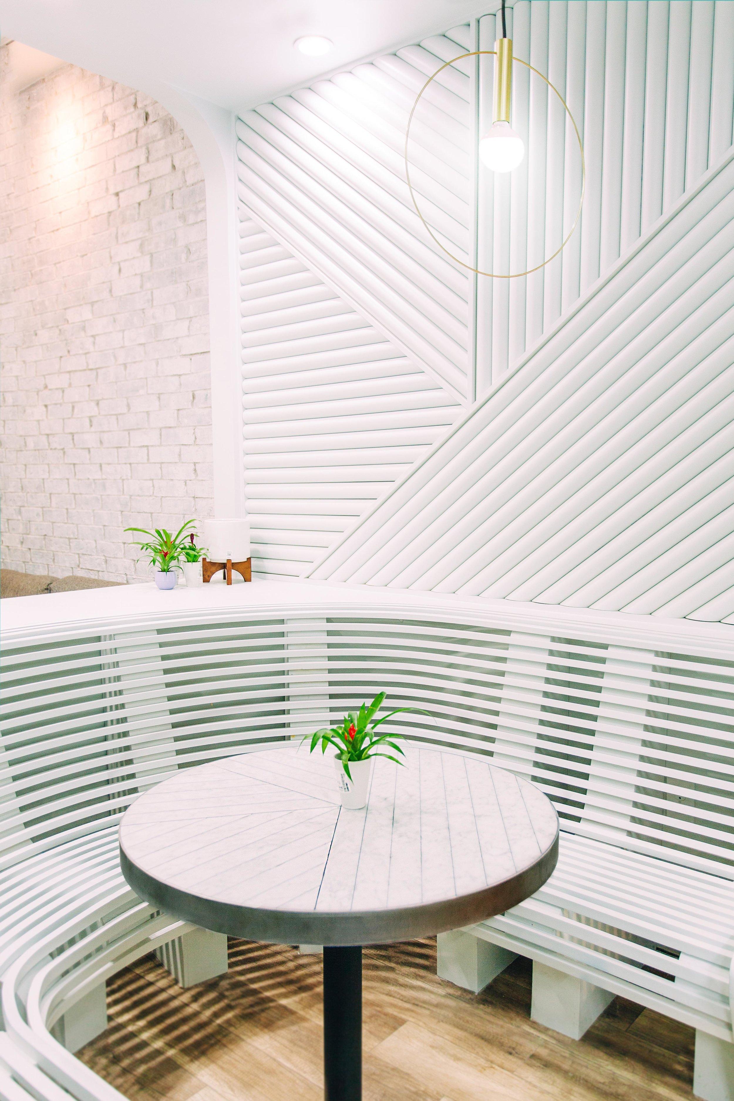 Interior 19-2.jpg