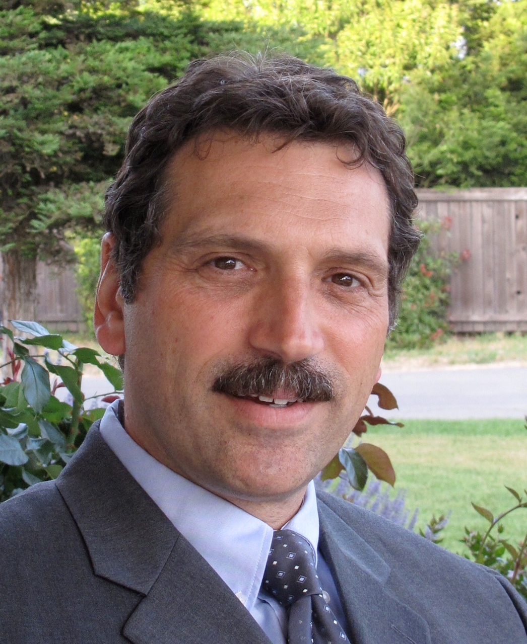 Dr. Fernandez