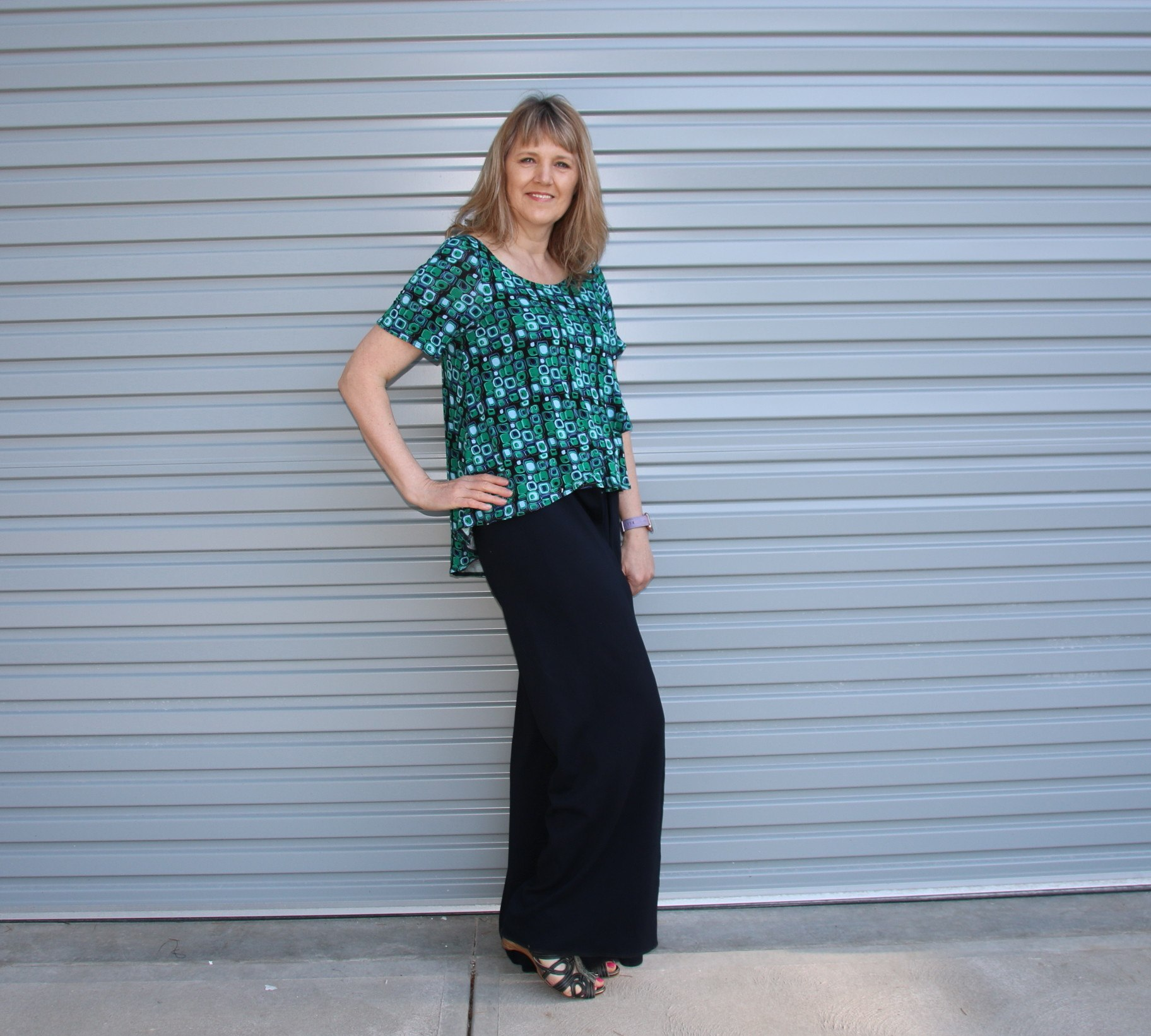 Flyaway Top and Wrap Pants Sewing Pattern Top side view