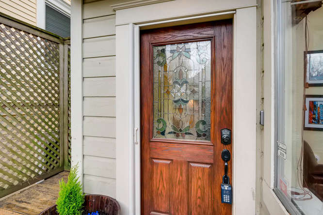 227 NW 18th Ave Portland OR-small-014-2-Exterior Front Entry-666x445-72dpi.jpg