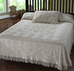 Martha Washington's Choice Bedspread