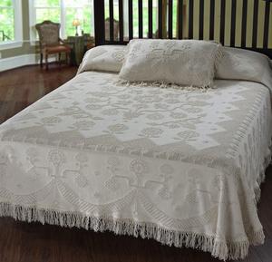 Martha Washington's Choice Bedspread