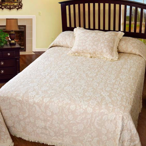 Lisa's Choice Bedspread (Click Image to Enlarge)