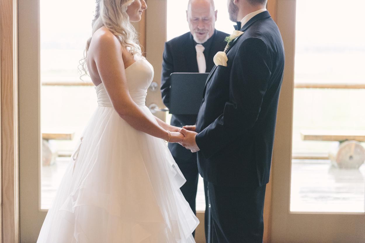 fraser-river-lodge-wedding-04.jpg