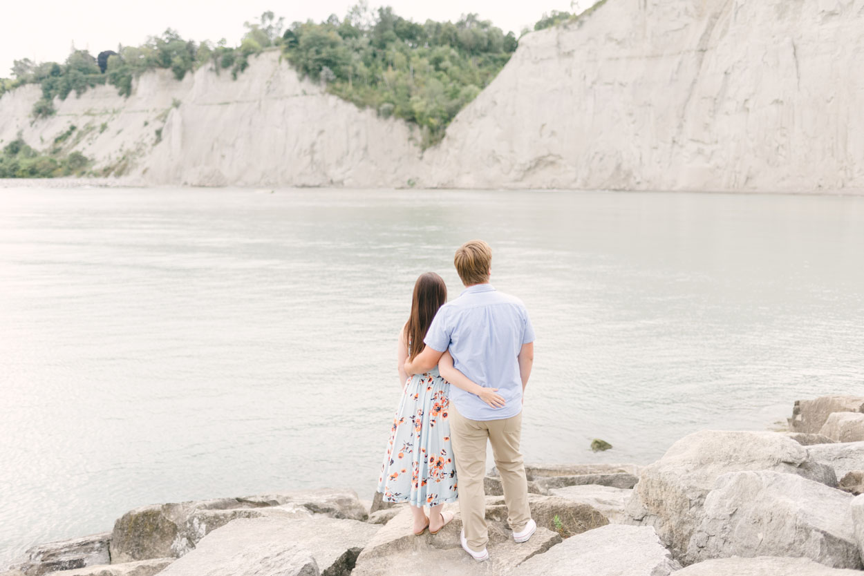 scarborough-bluffs-engagement-session-toronto-02.jpg