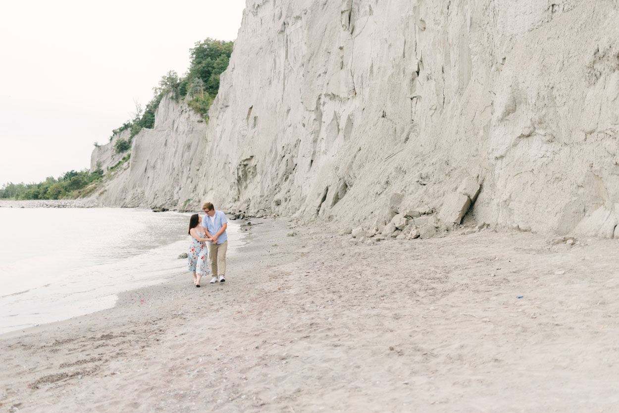 scarborough-bluffs-engagement-session-toronto-12.jpg