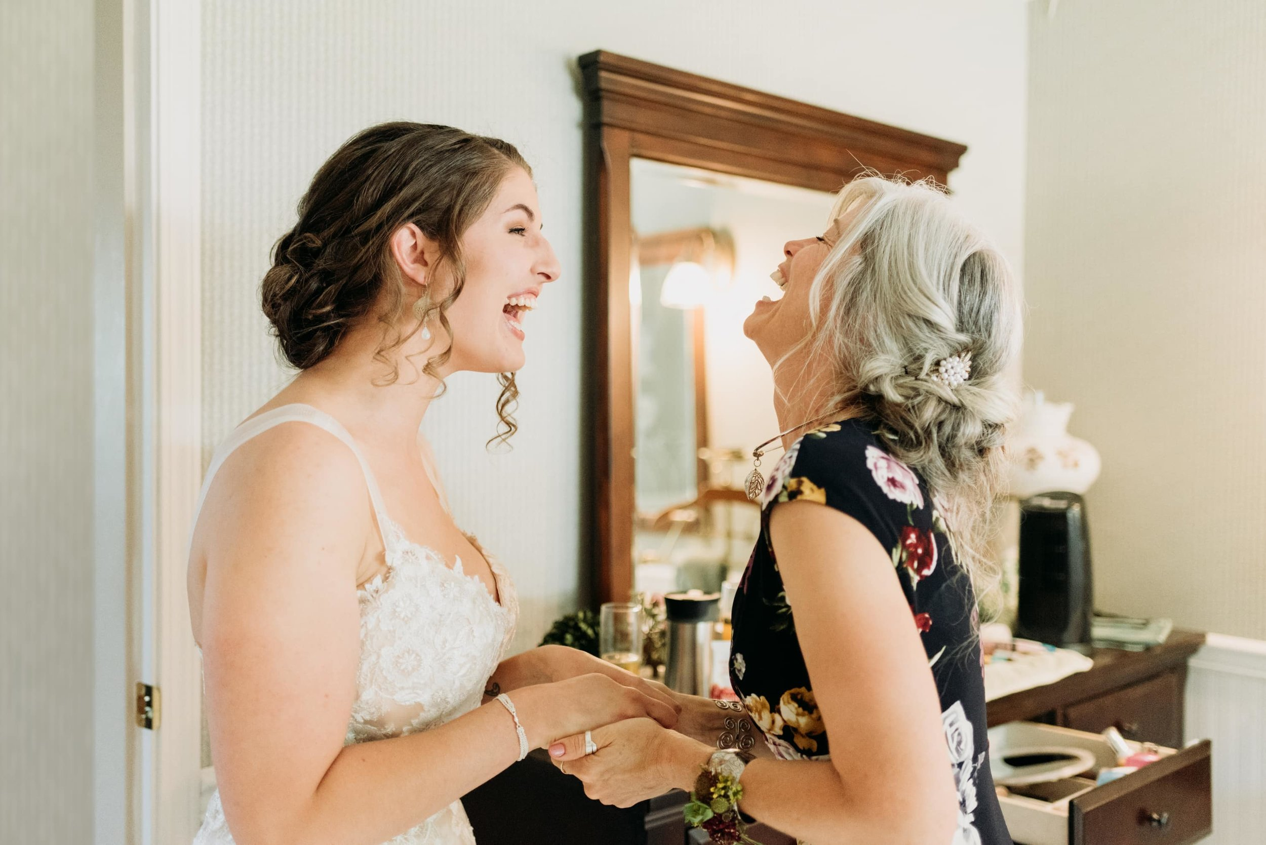 bride-and-mom.jpg