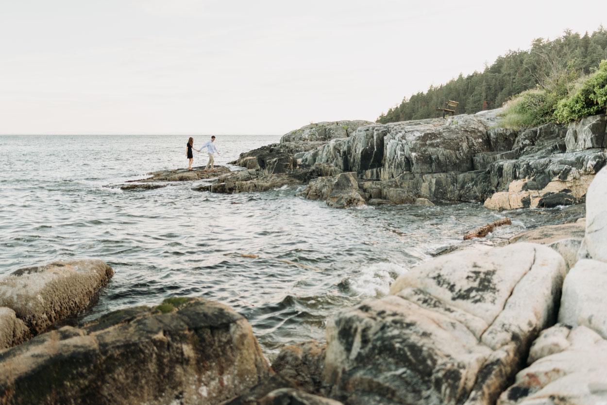 caulfield-rocks-engagement-12.jpg