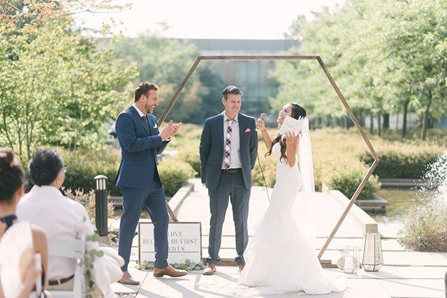 All laughs at this wedding ceremony . . . . . #okanagan #explorebc #vancouverbc #vancityviews #vancityhype #mustbevancouver  #explorecanada #cityofvancouver #discovervancouver #pacificnorthwest #pnw #pnwonderland #vancouver #yvr #vancouverwedding #vancouverweddingphotographer #vancouveryogis #vancouveryoga #yogavancouver #runvanouver #vancouverrunners #outdoorvancouver #hikevancouver #hikesnearvancouver #vancouverhikes #vancouvereats #eatvancouver #vancouverfoodie #vancouverfood #vancouverfoodies