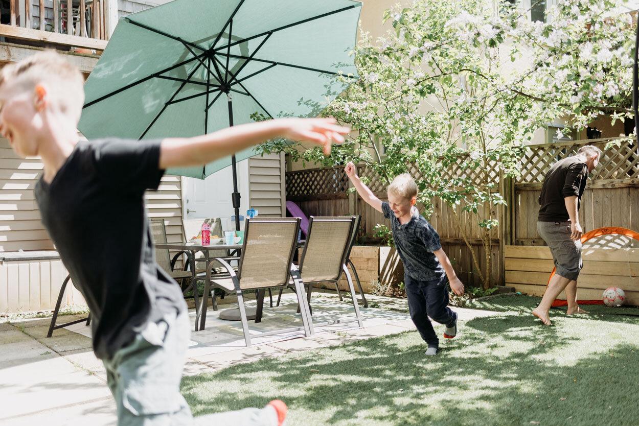vancouver-backyard-family-photos-05.jpg