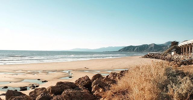 Thought we could all use a reminder of how stunning our coastline is on a sunny day. Time for this June gloom to hit the road. #visitharbortown #welcometoventura #emmawoodstatebeach
