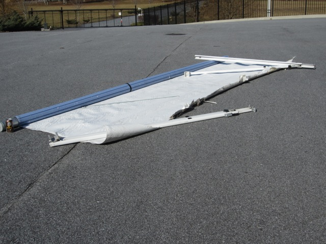Awning with brackets: 60 lbs