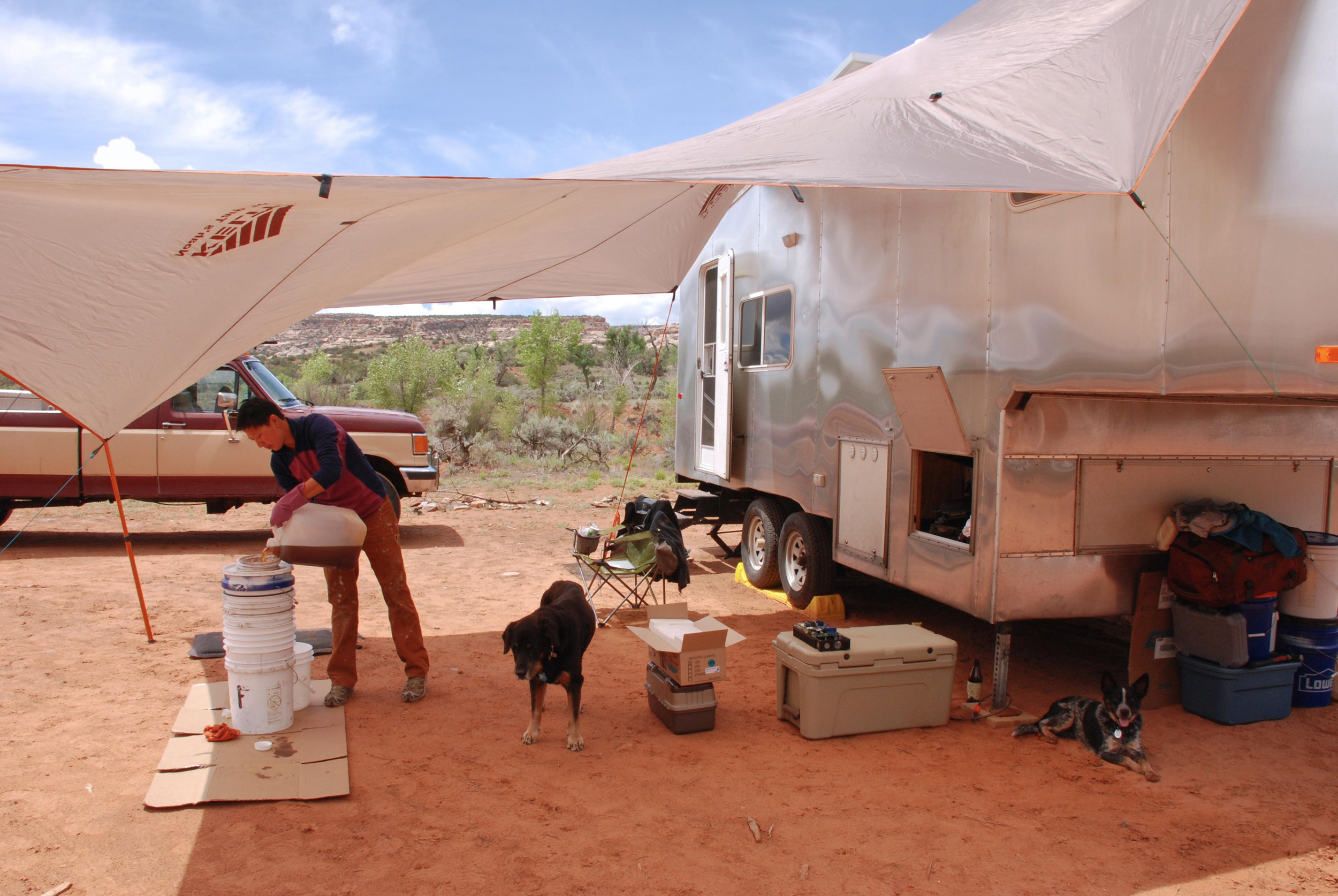 Filtering WVO using our 3 revision system while boondocking in Utah.
