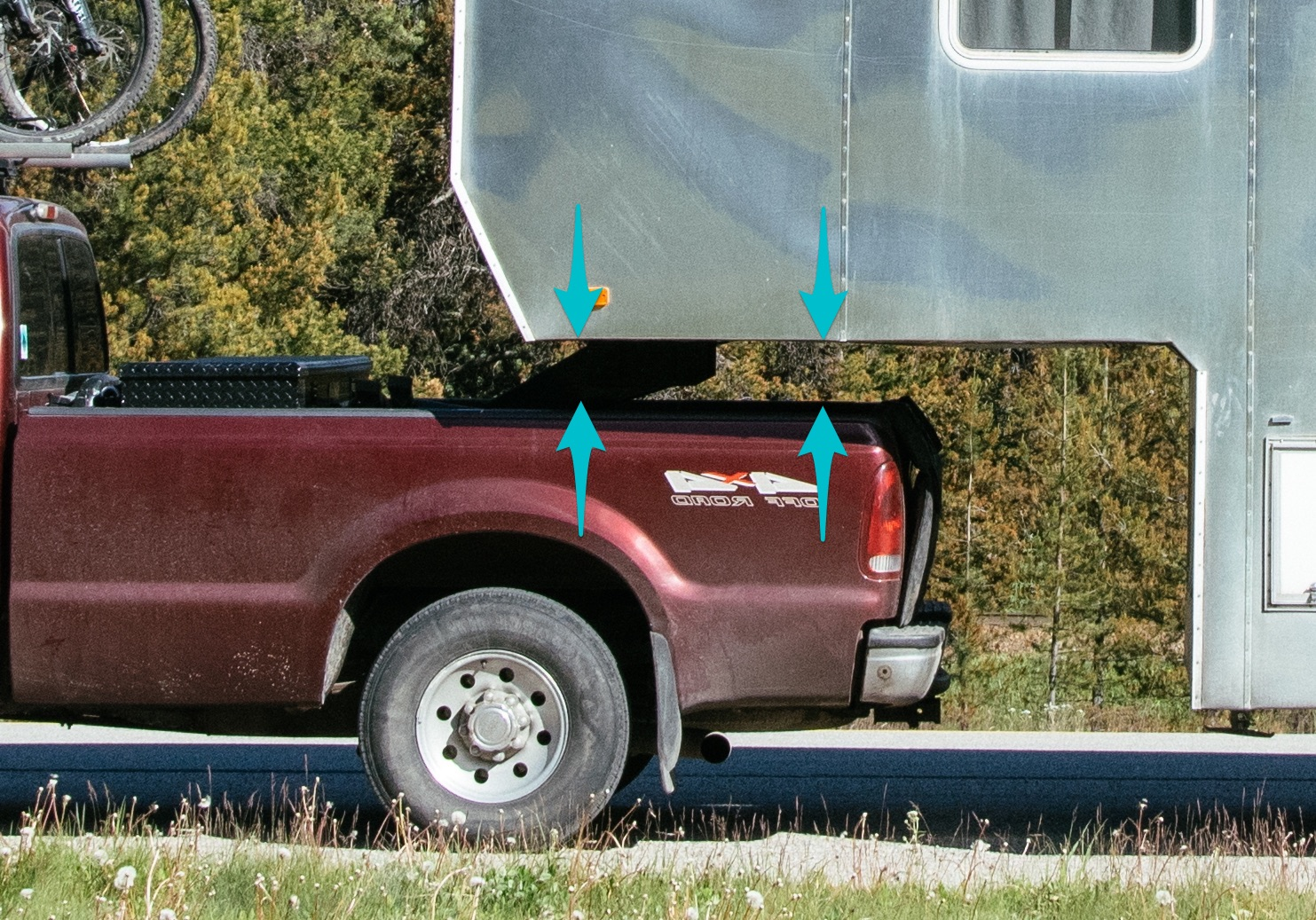 Hard to see because of the shadows: Arrows show the bedrail clearance.