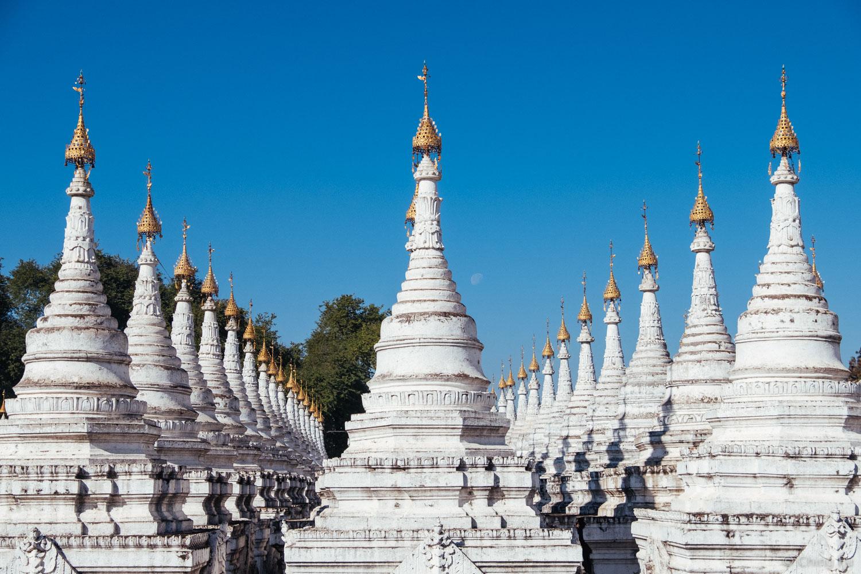 Rows of Dhamma ceti at Sandamuni Pagoda.