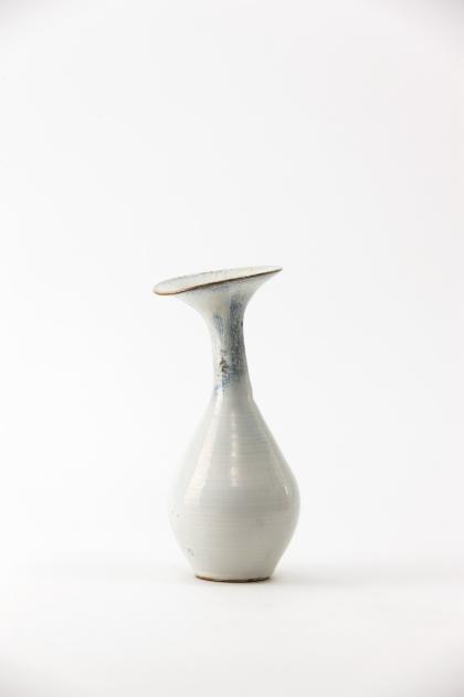 Jang Jin     Still Life 14-025, 2014    Glazed Ceramic    11h x 5.3w x 4.5d in  (27.94h x 13.46w x 11.43d cm)
