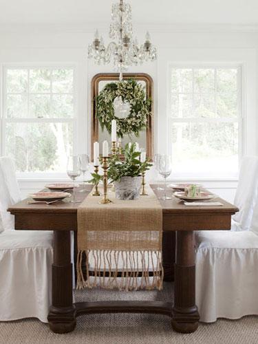 Country-Farmhouse-DIY-white-and-green-dining-room-0112-cT4fv2-J1SdOI-lgn.jpg