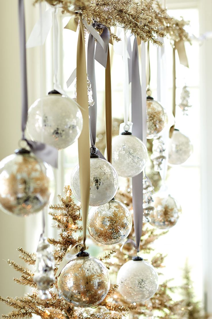 hanging wreath.jpg