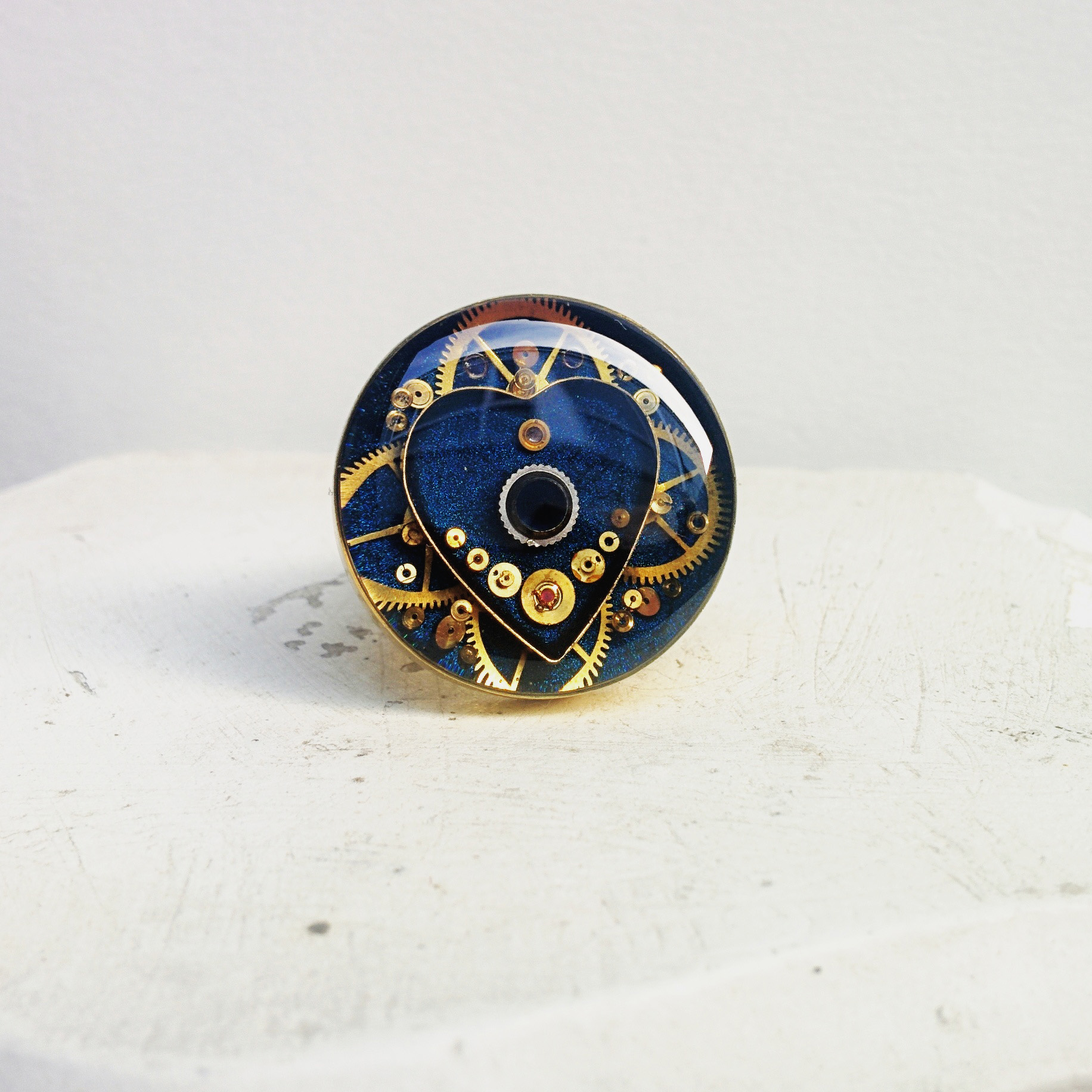 Six layer sapphire and golden watch part ring will make its debut at this show!