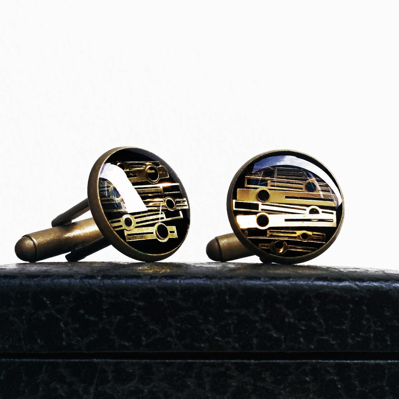 I will have a huge variety of new cufflinks, varying in colour & design, as always!