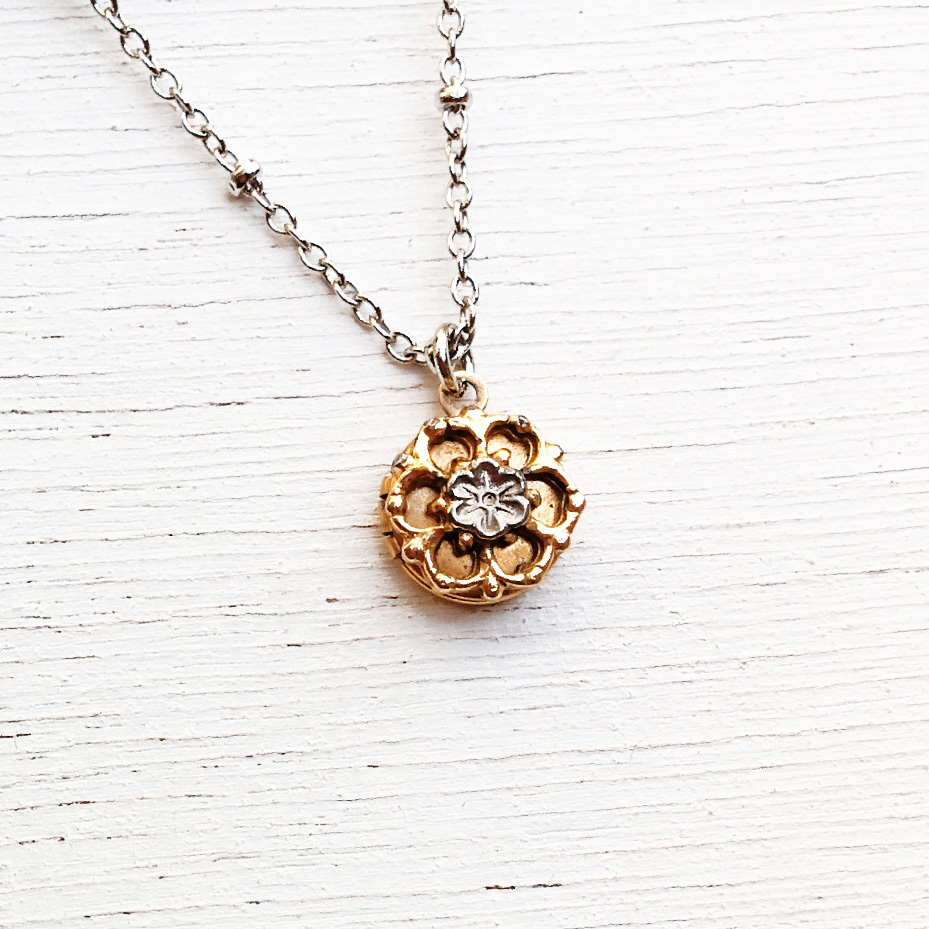 ultra mini 1cm locket with flower detail