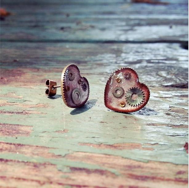 aminda-wood-mechanical-hearts-pink.jpg