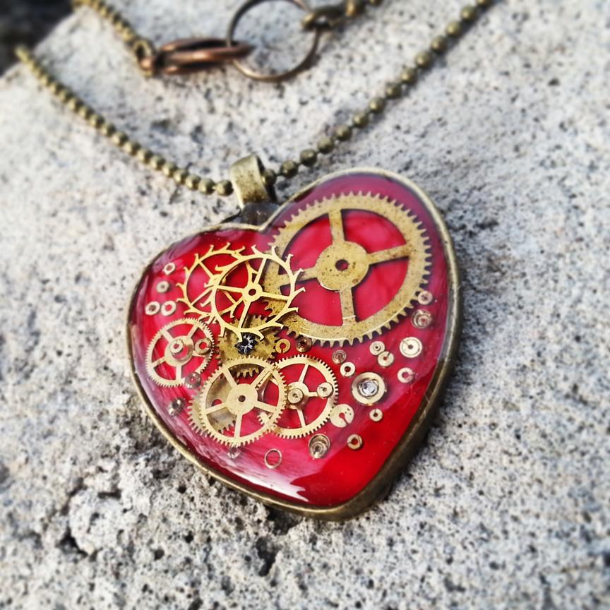 hot-pink-mechanical-heart.jpg