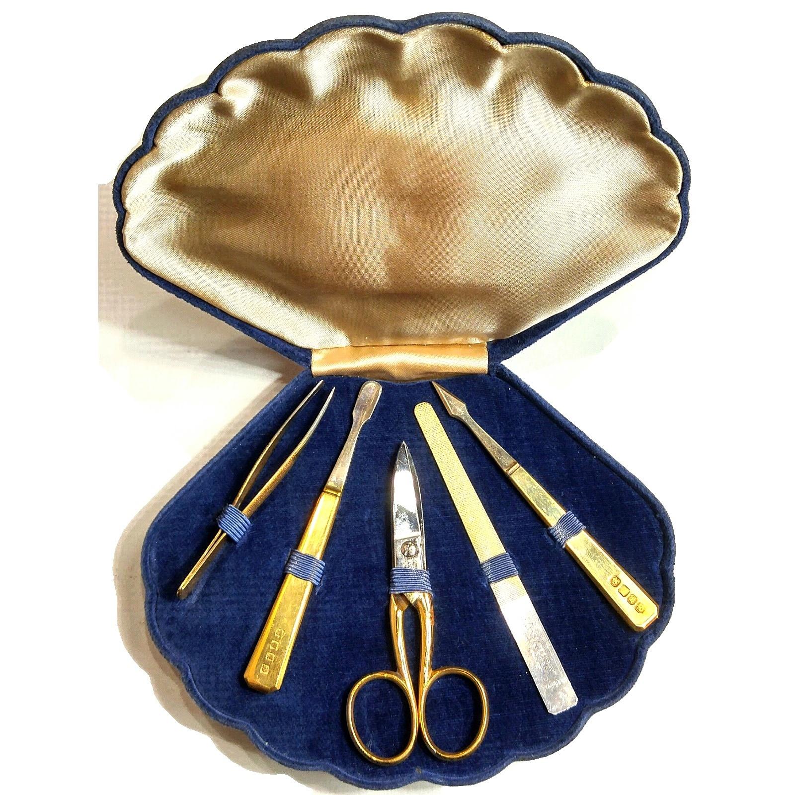 vintage-velvet-manicure-kit-shell-mermaid-open.jpg